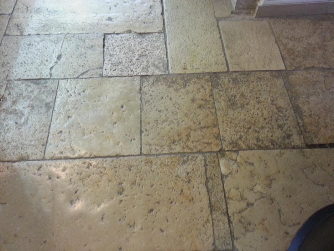 Cattedrale pietre raffaele cileo pietra di trani for Pavimenti mosaici per interni