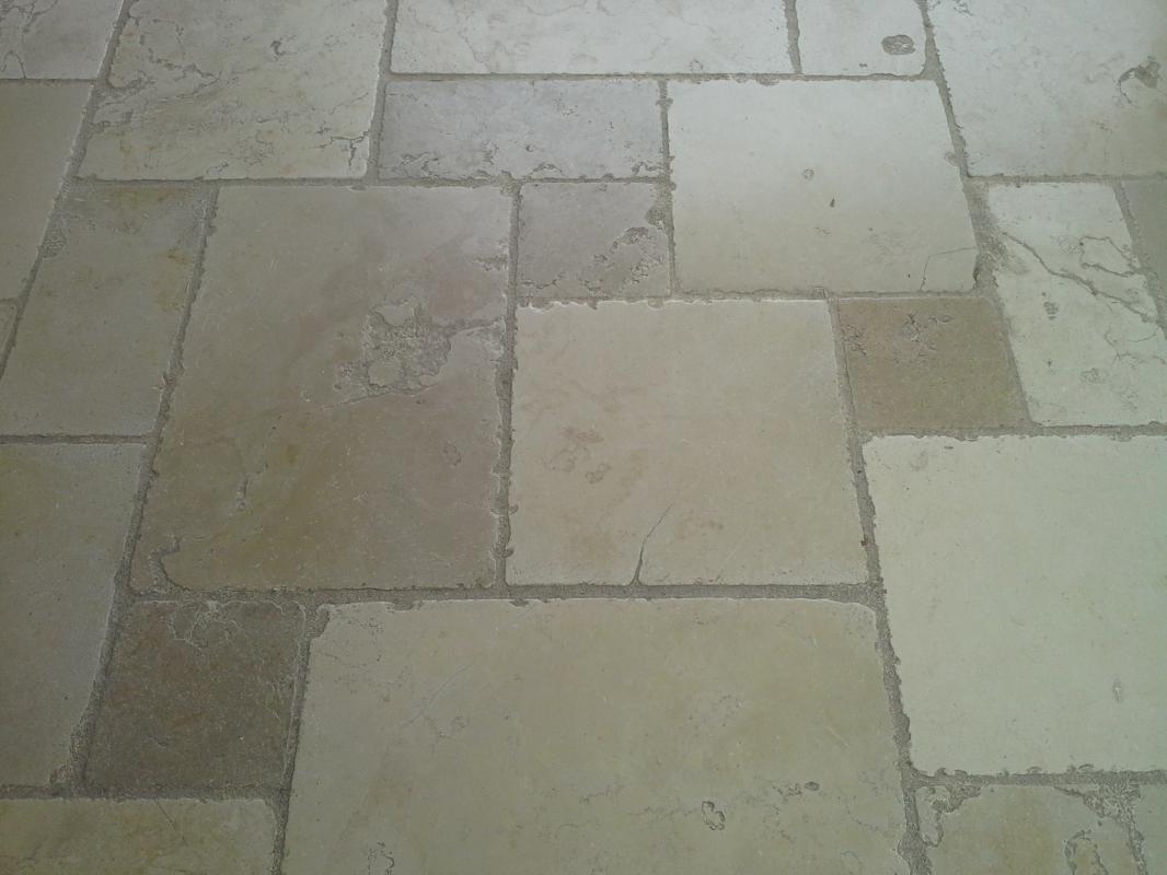 Trani chianca anticata pietre raffaele cileo pietra di trani marmi mosaici graniti - Piastrelle fine serie ...