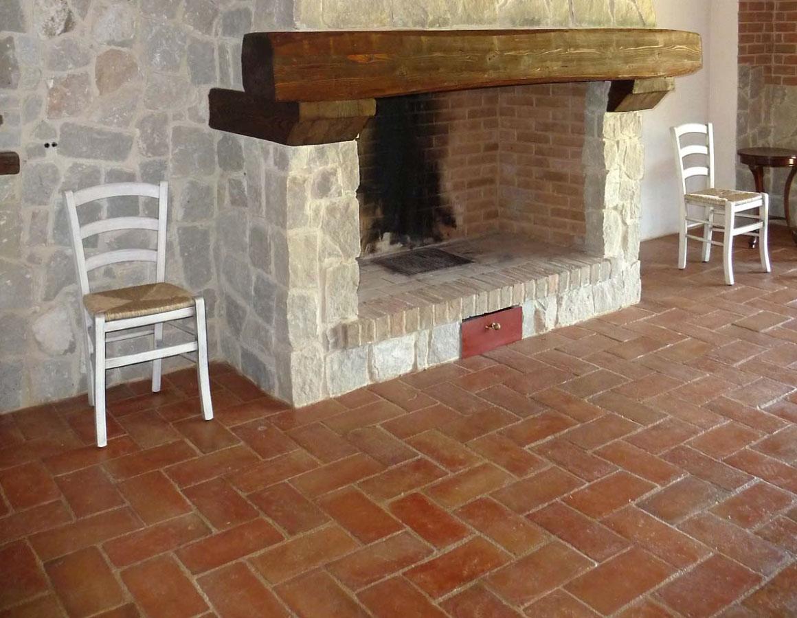Pavimenti Rustici Interni : Pavimenti rustici in pietra pavimenti in travertino per