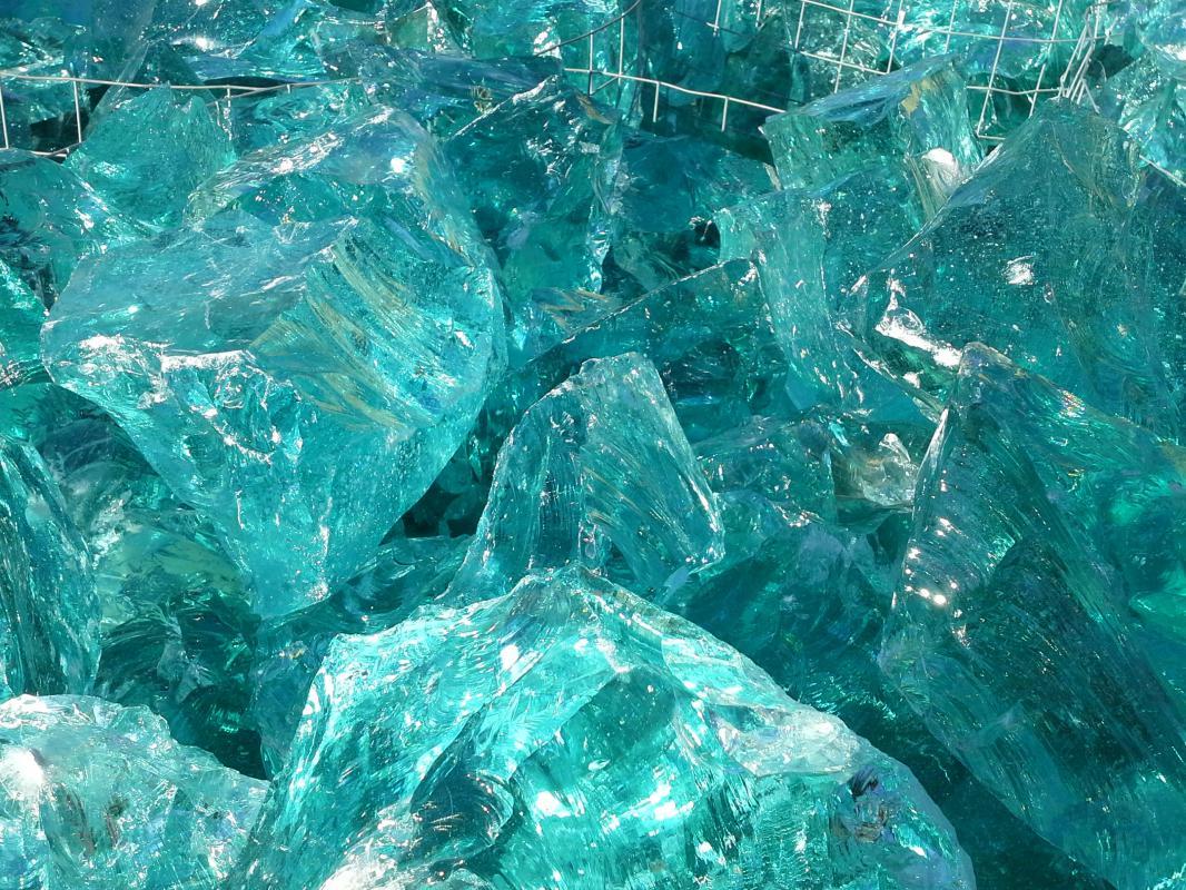 Sassi di vetro pietre raffaele cileo pietra di trani - Sassi decorativi per interni ...