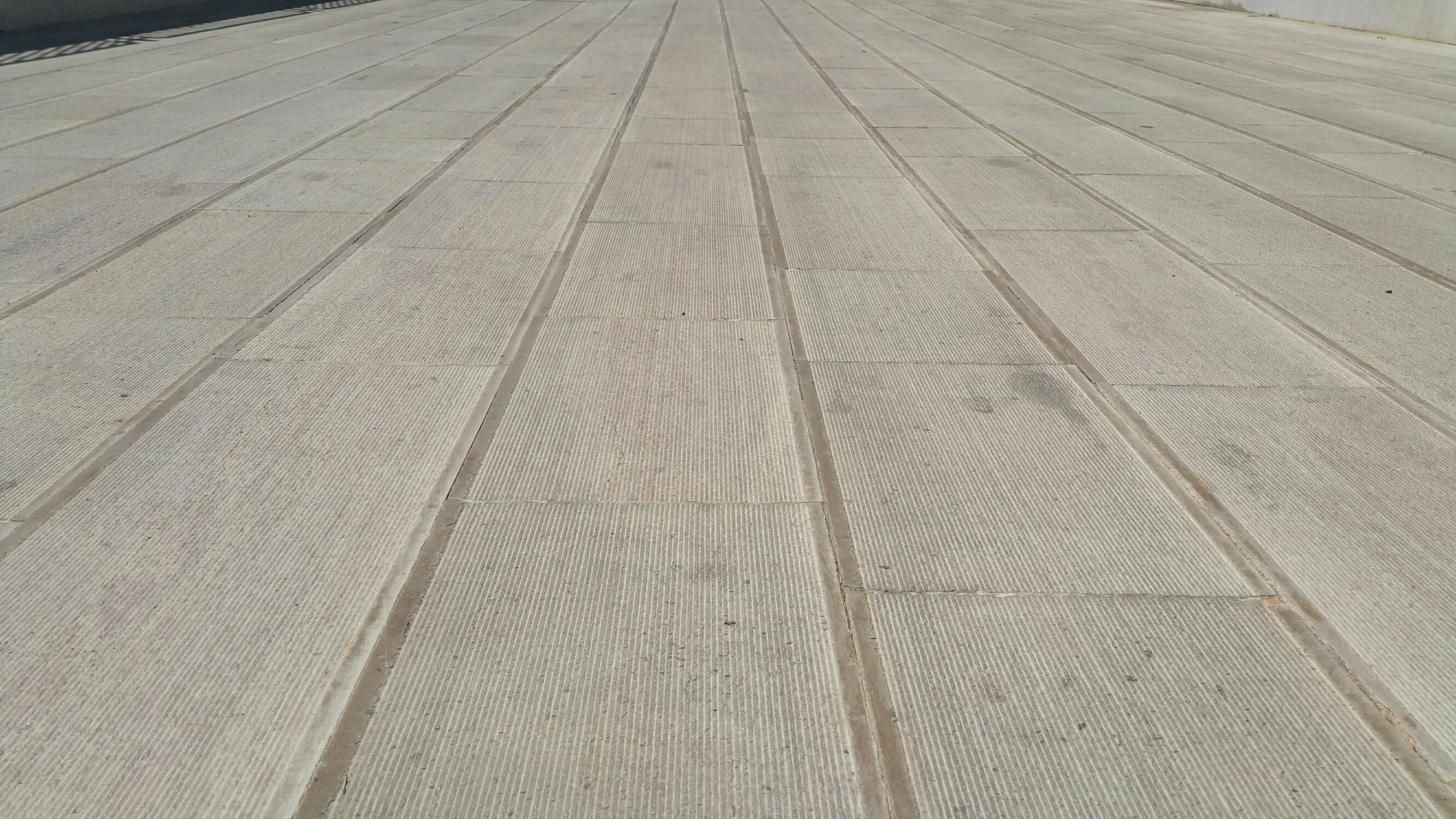 Pavimento In Pietra Di Trani : Offerta: pavimento in pietra di trani rigata antiscivolo pietre