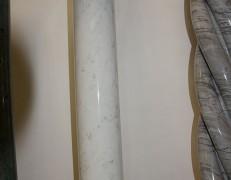 Colonna in marmo bianco Carrara