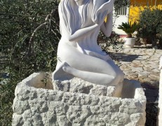 Fontane con scultura