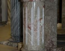 Colonna in breccia Pernice
