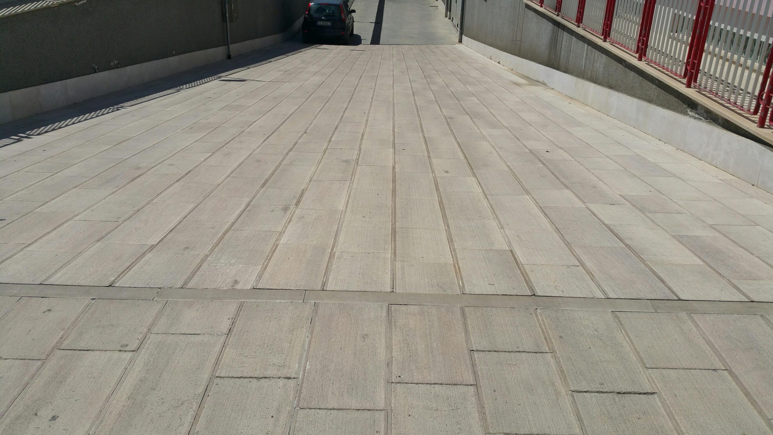 Pavimento In Pietra Di Trani : Spezialangebot pietre raffaele cileo pietra di trani marmi