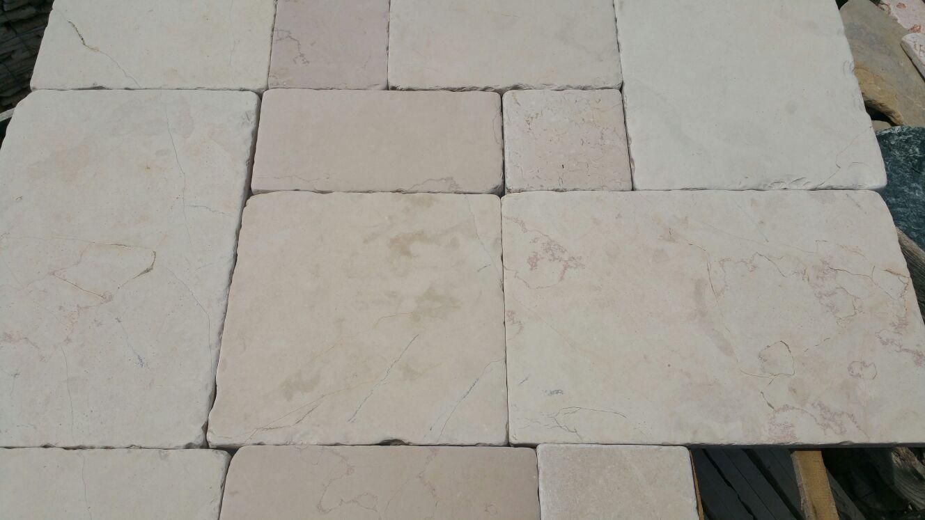 Offerta stock pavimento modello chianca locorotondo pietre raffaele cileo pietra di trani - Piastrelle fine serie ...